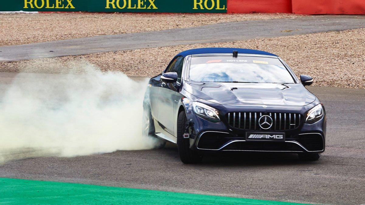 Vidéo : Quand Lewis Hamilton embarque Sir Frank Williams à Silverstone 1