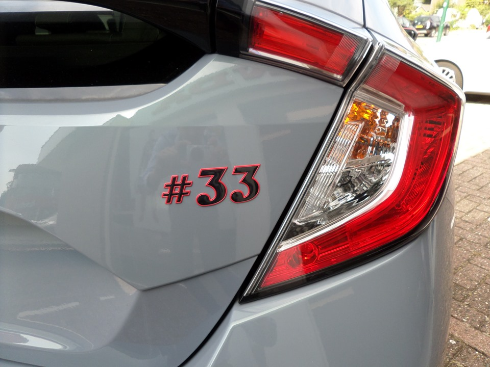 Honda lance une #33 Limited Edition de sa Civic en hommage à Verstappen 3