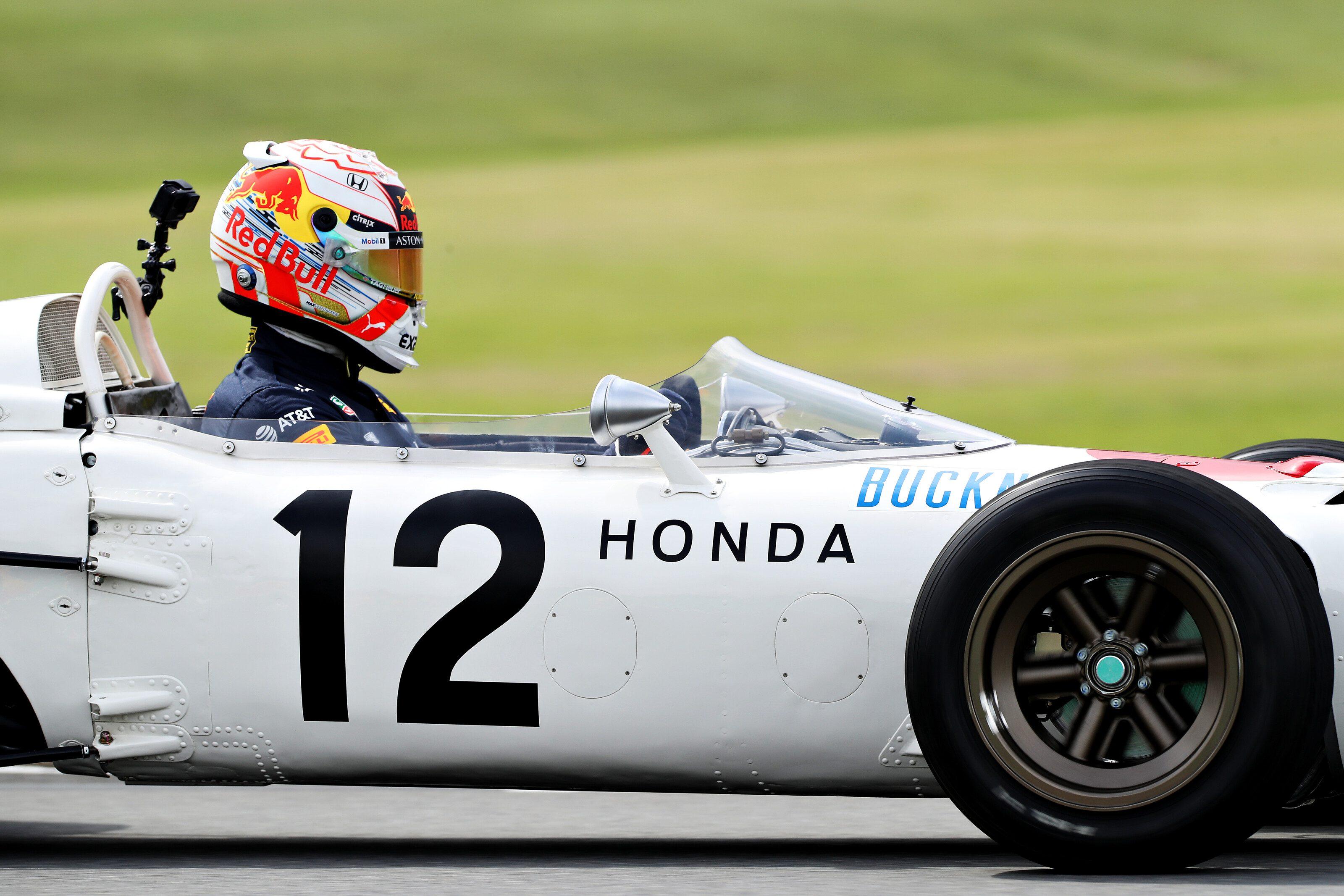 Photos : Max Verstappen au volant de la Honda RA272 à Suzuka 11