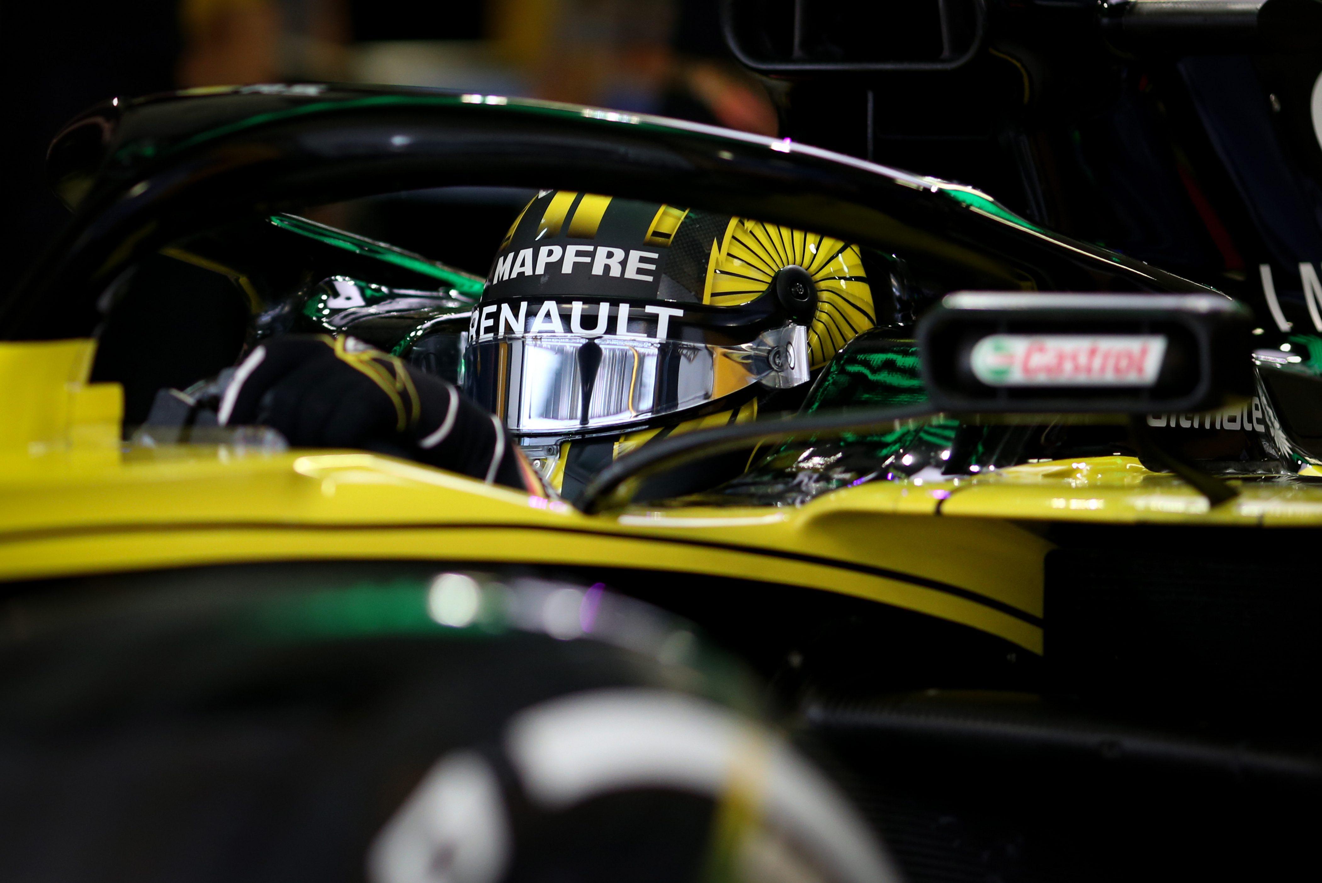Les volants des deux Renault et les calculateurs mis sous scellés par la FIA 13
