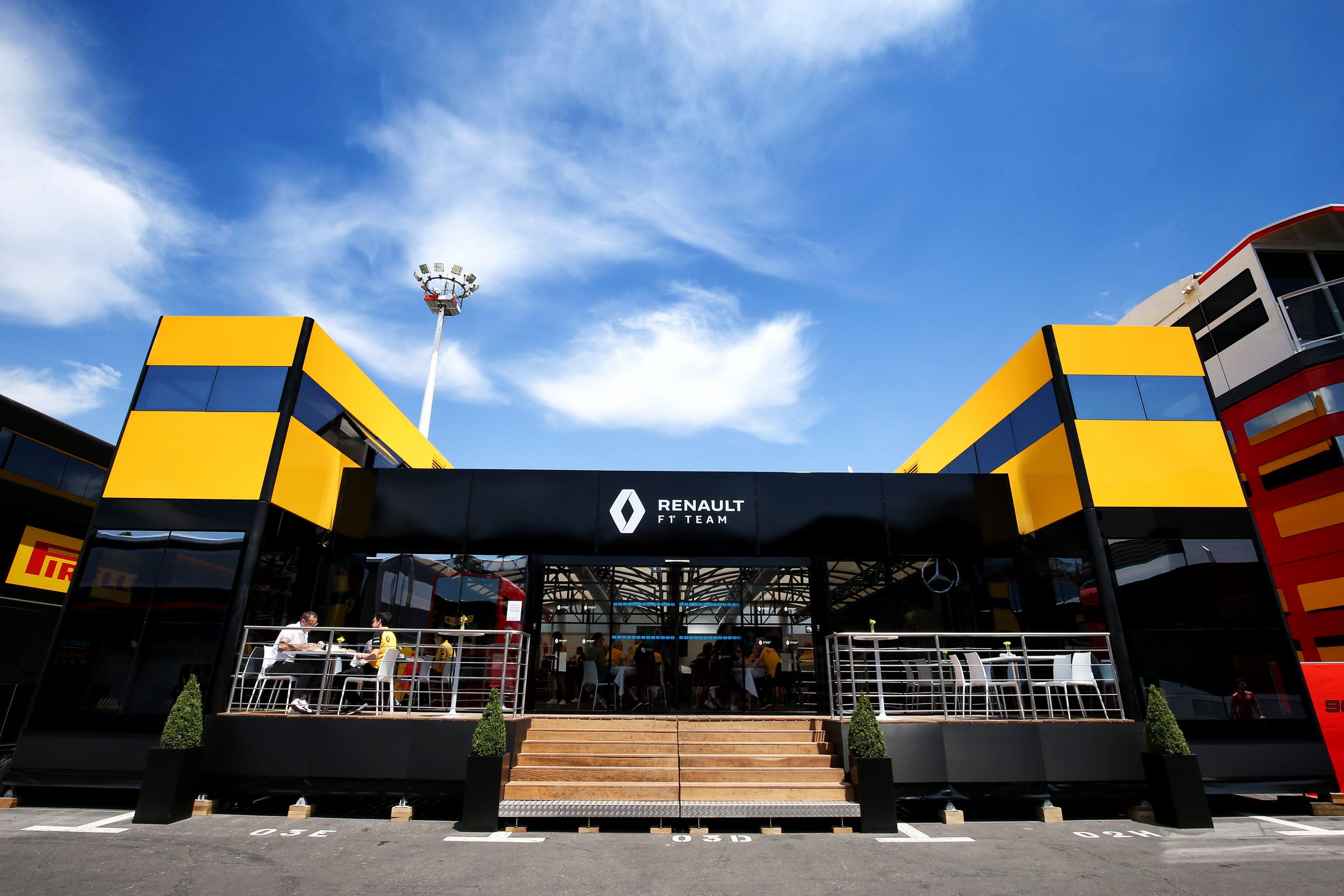 Renault motorhome F1