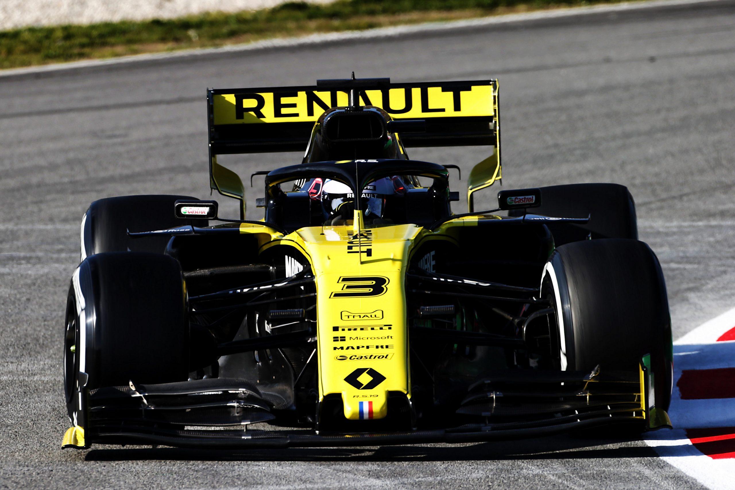 Daniel Ricciardo lors des essais hivernaux en F1 au volant de sa Renault