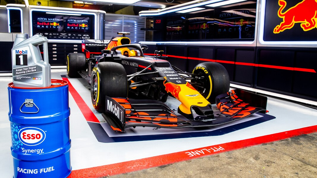exxonMobil Red Bull Racing f1