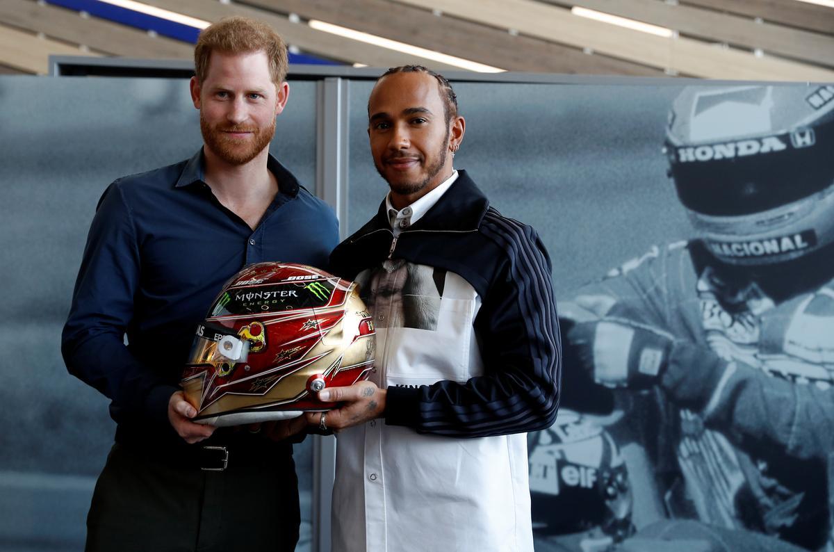 Hamilton, Albon et Russell inaugurent le musée de Silverstone 1