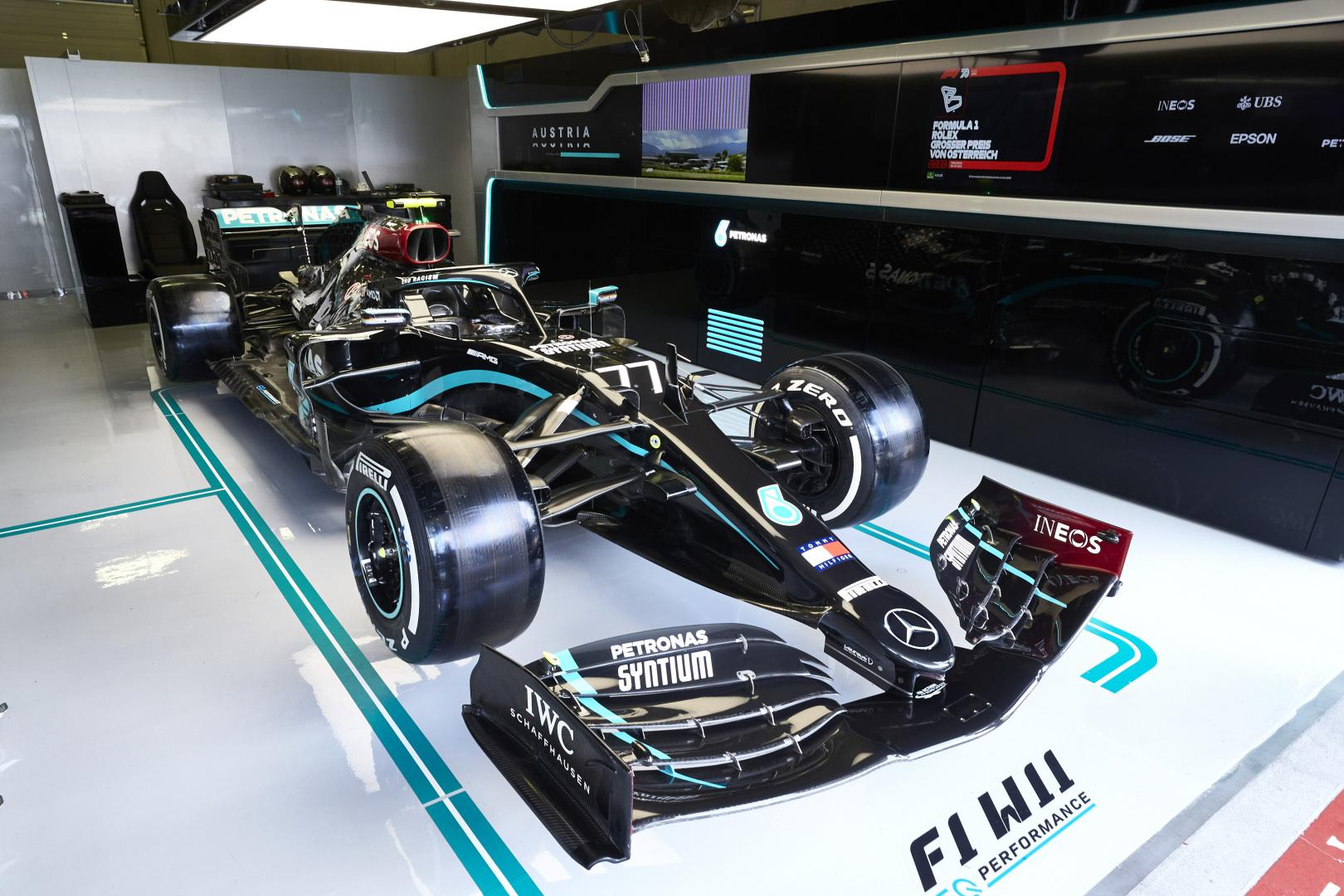 La Mercedes de Bottas était en morceaux dans le garage avant les qualifications 1
