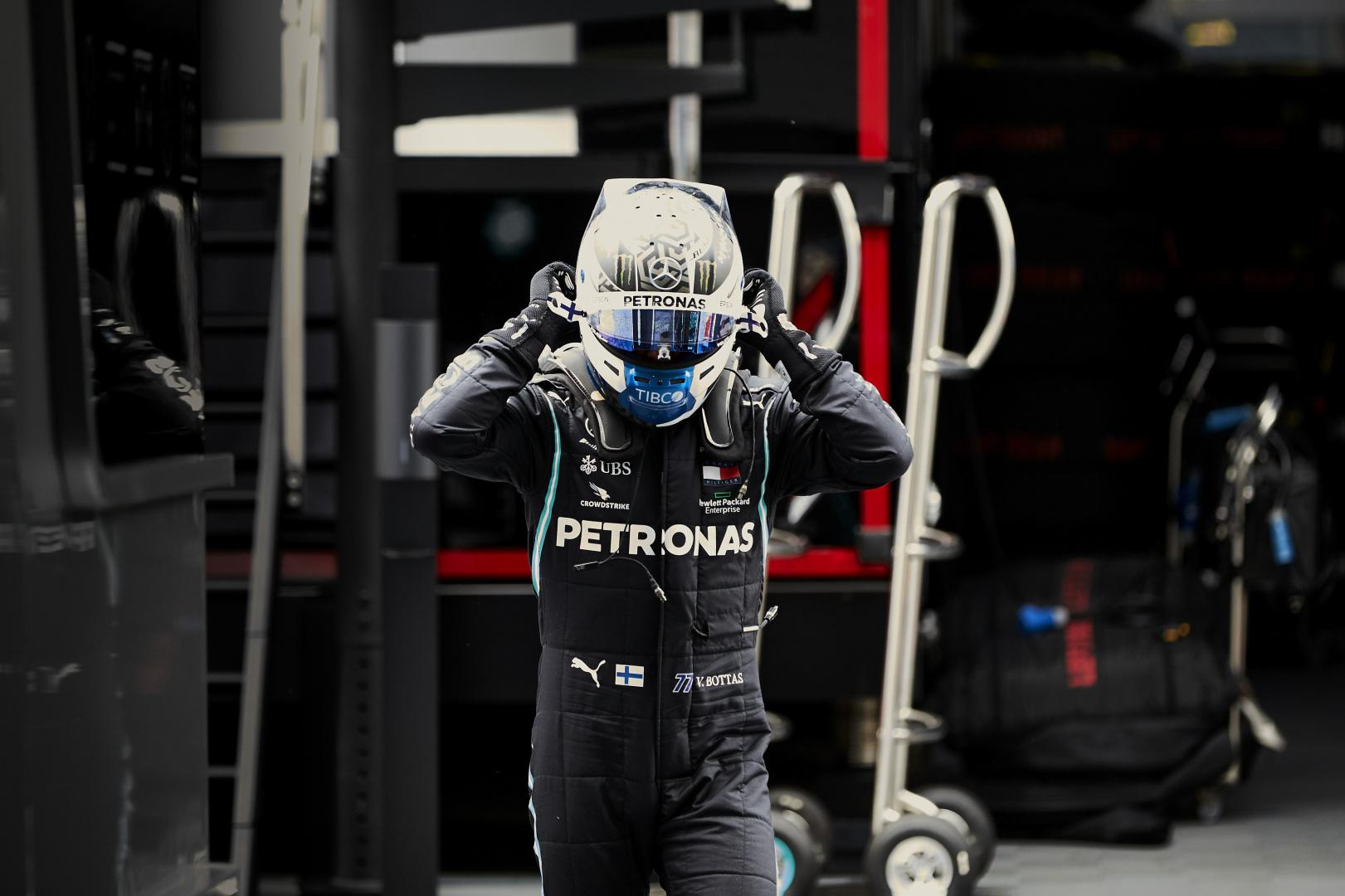 Valtteri Bottas signe la pole position au GP d'Autriche 1