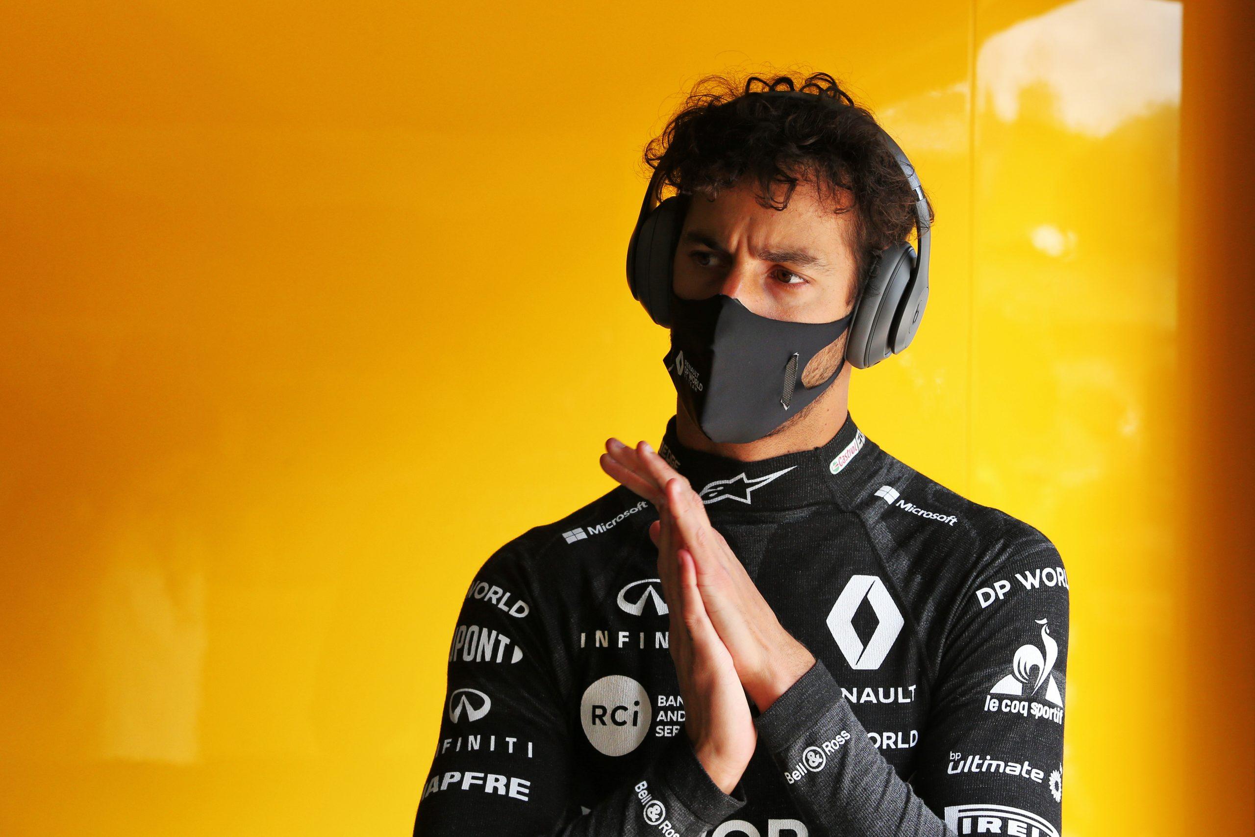 Ricciardo pense qu'il aurait dû bloquer Lance Stroll en fin de course 1