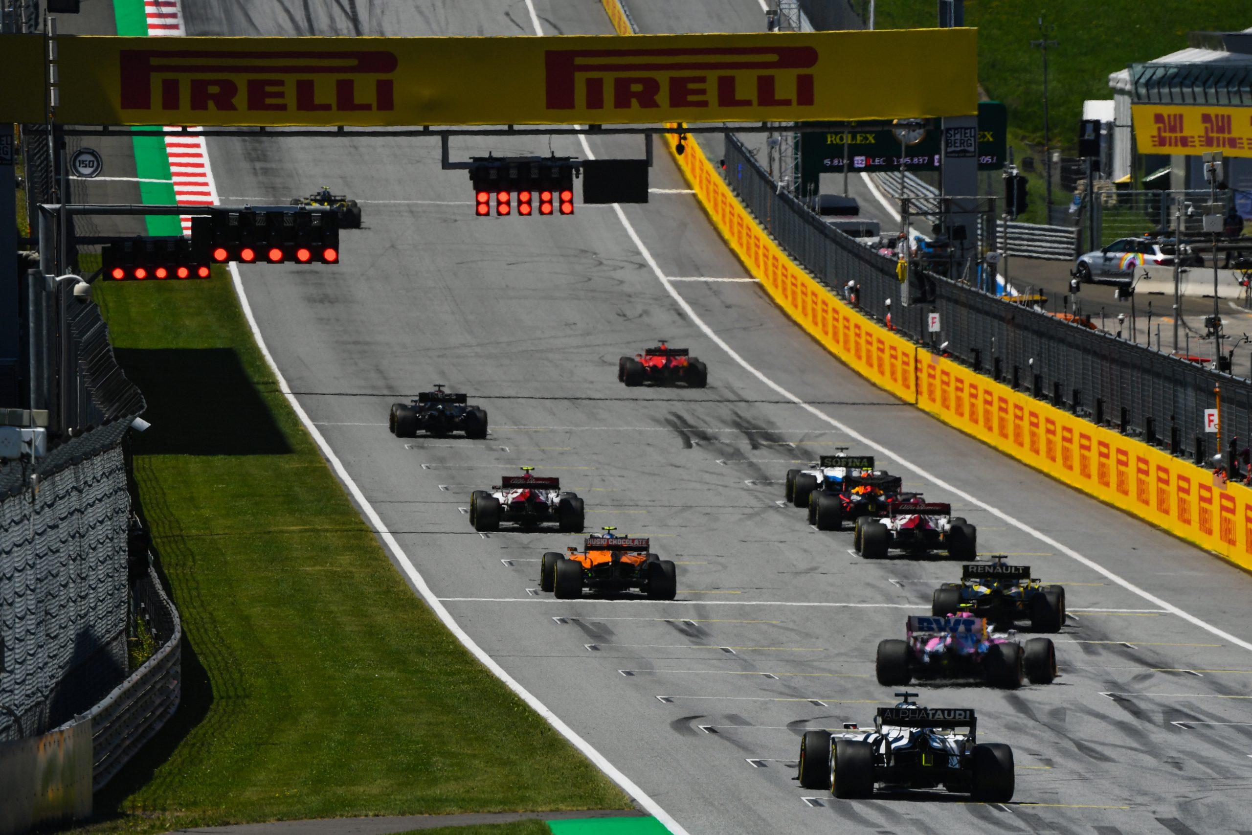 F1 - Choix de pneus libre pour tous les pilotes sur la grille de départ du GP de Styrie
