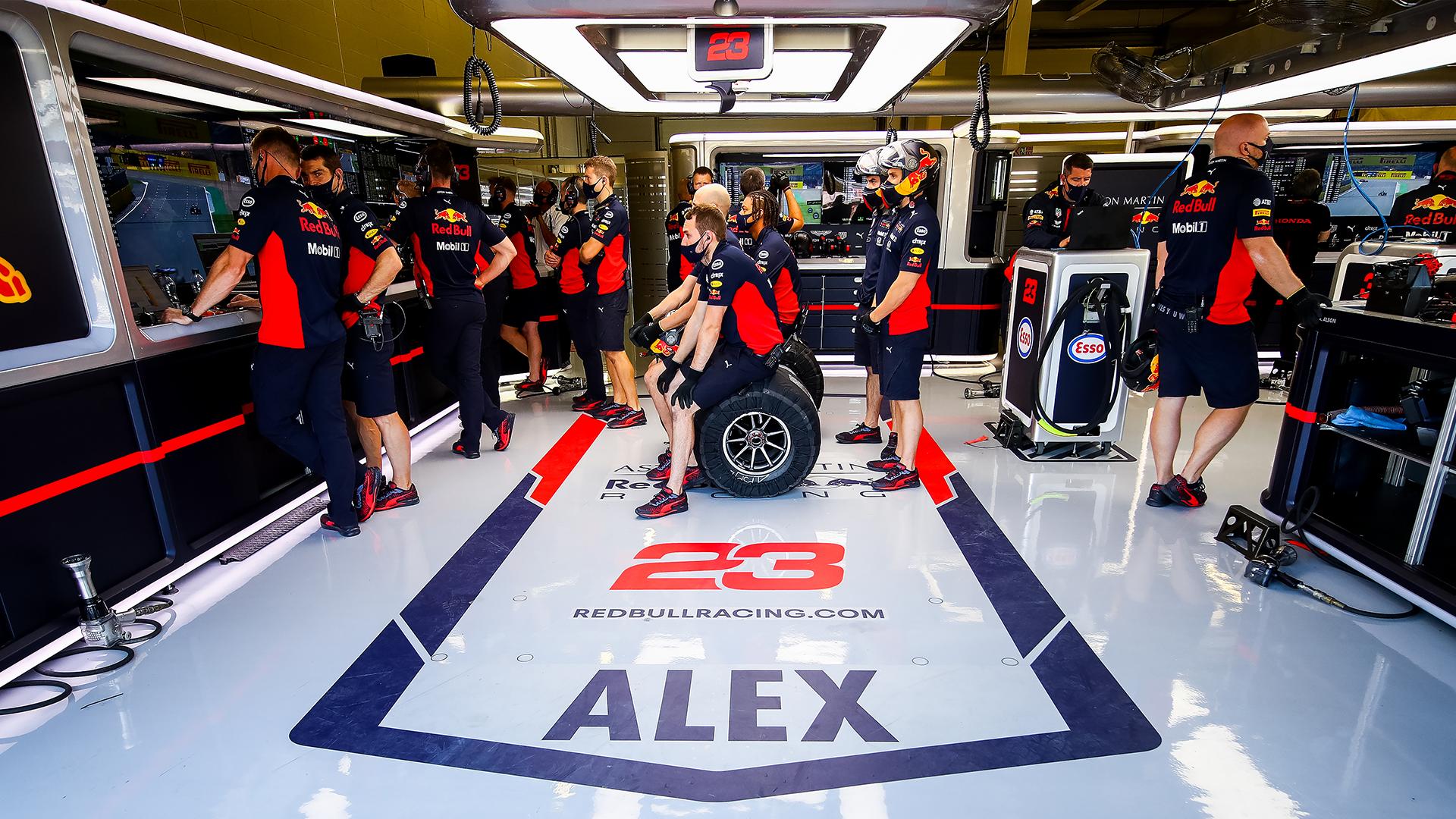 Officiel : Nouveau pack batterie sur la Red Bull d'Alex Albon 1