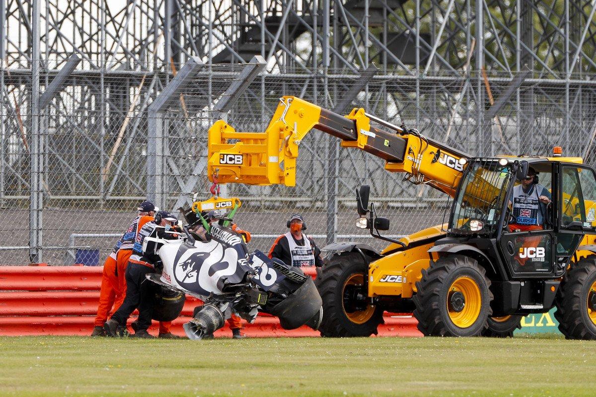 La FIA ajoute 36 mètres de barrière en pneumatiques au virage 11 à Silverstone 1