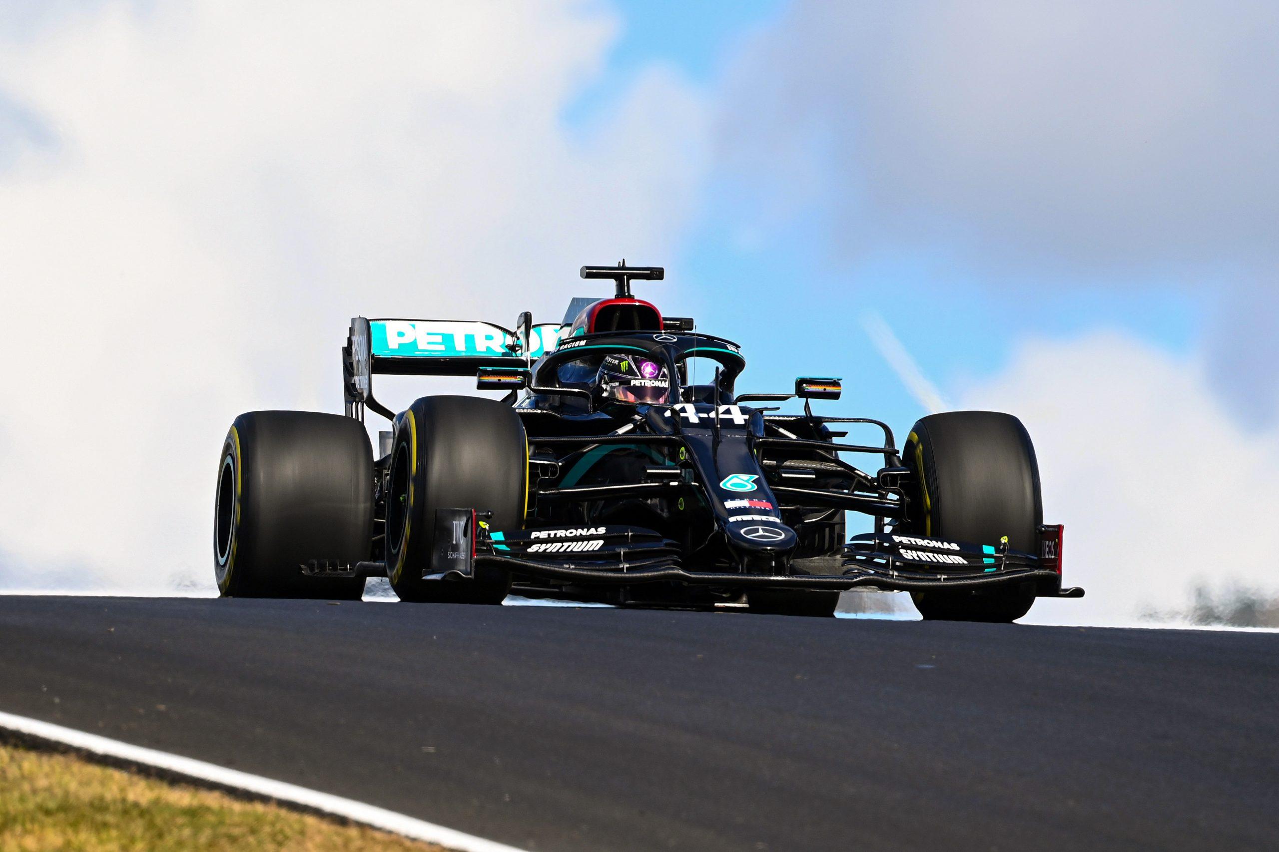 Lewis Hamilton s'impose sans concurrence à Portimao 1