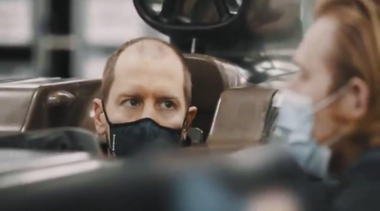 F1 - Vidéo : Sebastian Vettel ajuste son baquet chez Aston Martin