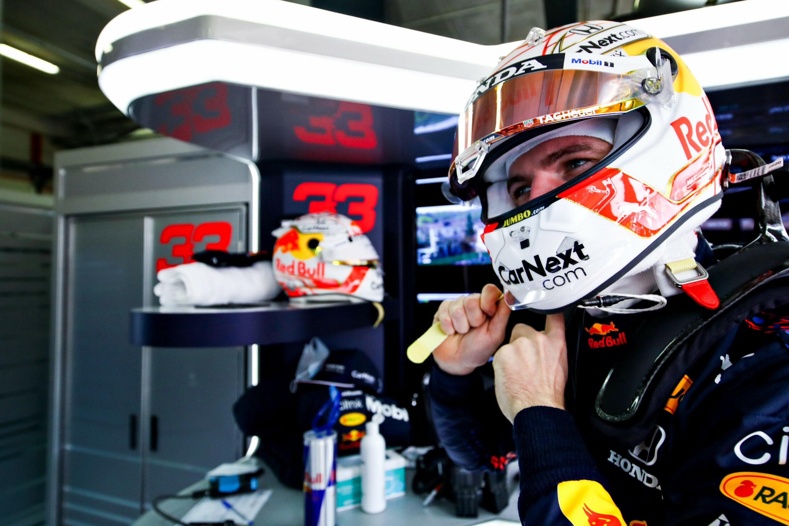 F1 - Max Verstappen à pied ce vendredi après-midi à Imola