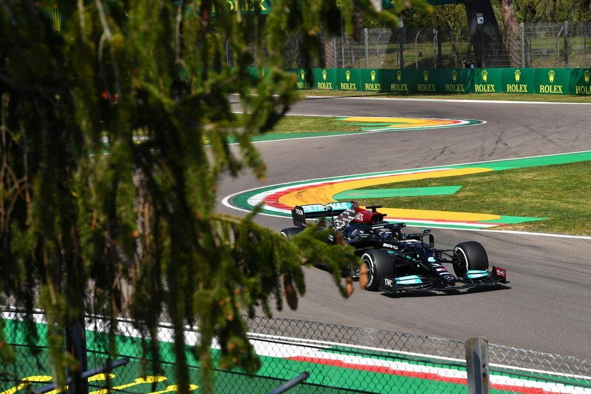 F1 - Les pilotes autorisés à rouler sur les bordures jaunes aux virages 14 et 15