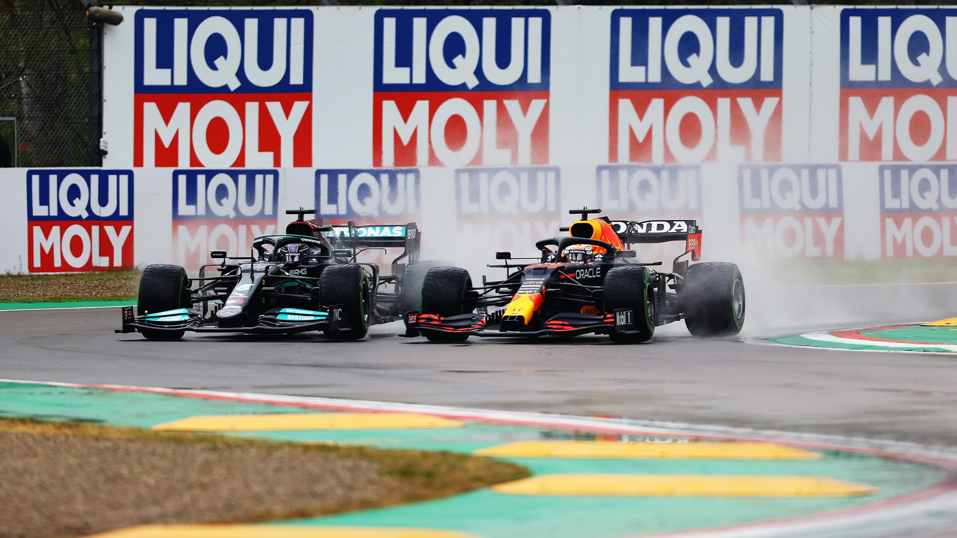 """F1 - La FIA ne se sent """"pas concernée"""" par la lutte Mercedes-Red Bull"""