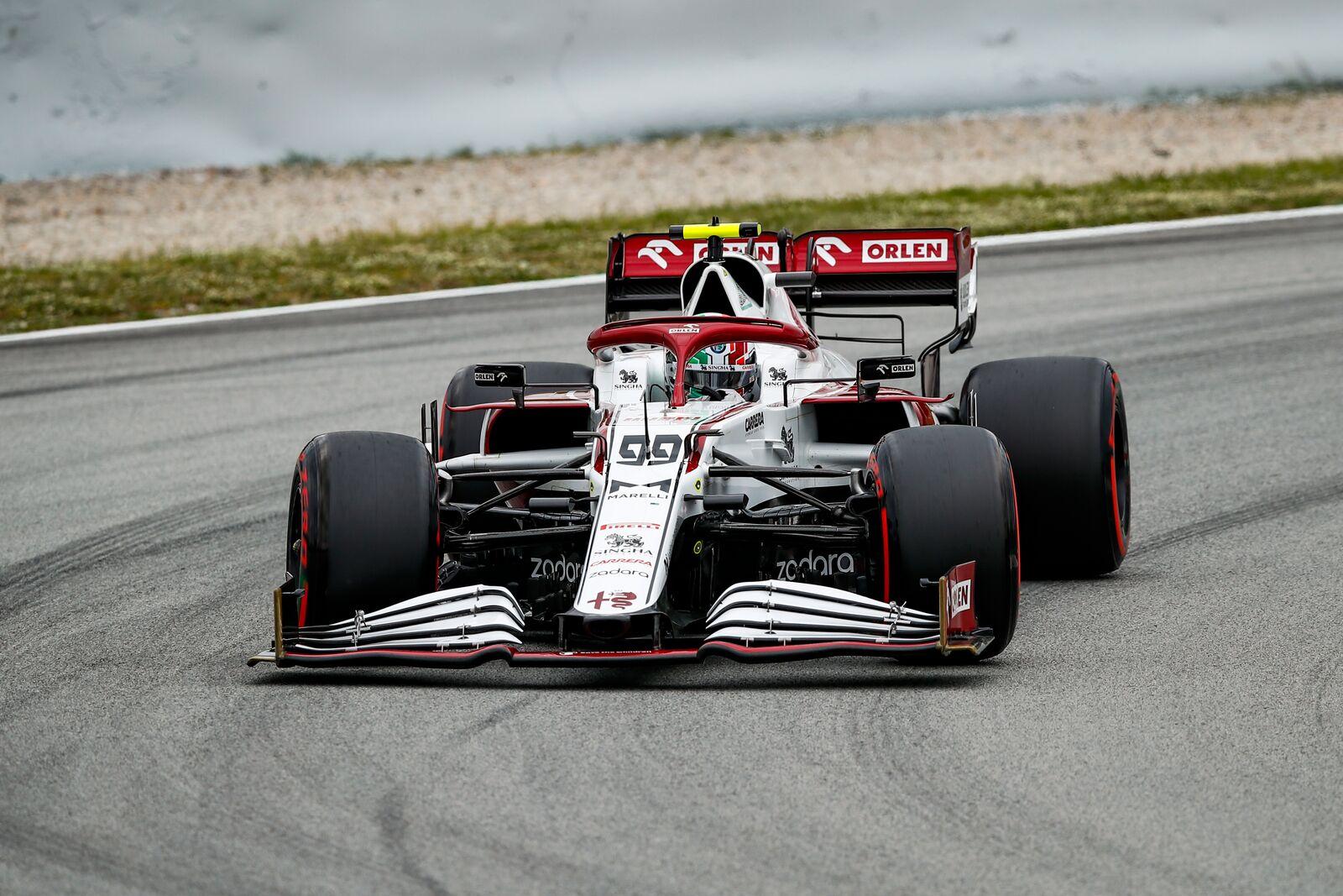 F1 - Une valve endommagée à l'origine du pneu dégonflé chez Alfa Romeo en Espagne
