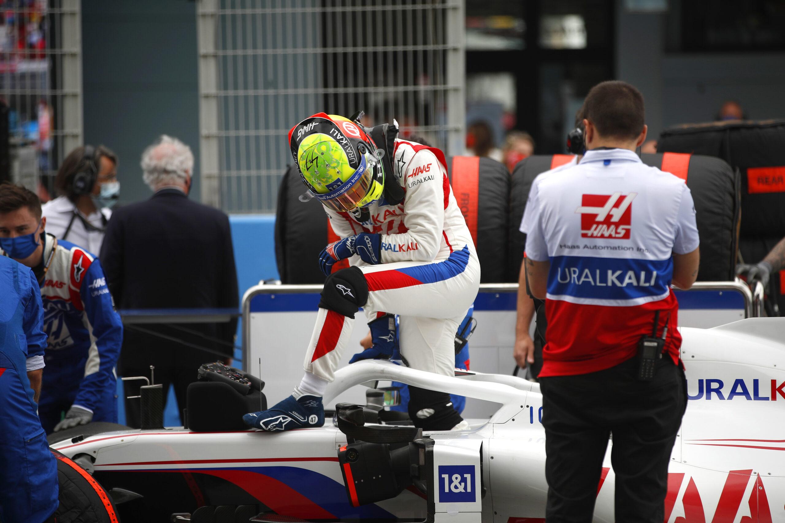 """F1 - Schumacher """"frustré"""" d'avoir mis son équipe en danger ce dimanche à Barcelone"""
