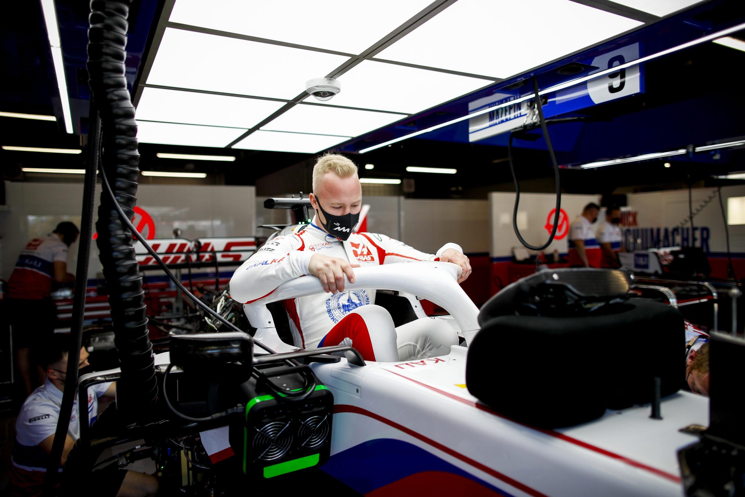 "F1 - Nikita Mazepin: ""Difficile de garder la monoplace sur le circuit"""