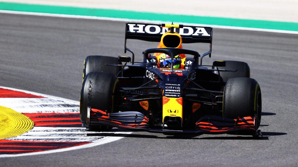 F1 - La Red Bull de Perez inspectée en profondeur par la FIA à Barcelone