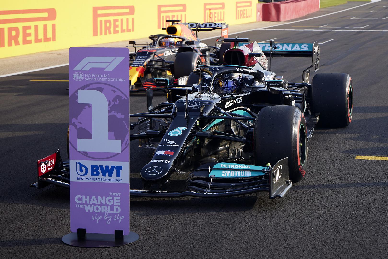 F1 - Hamilton commence à voir les avantages du simulateur