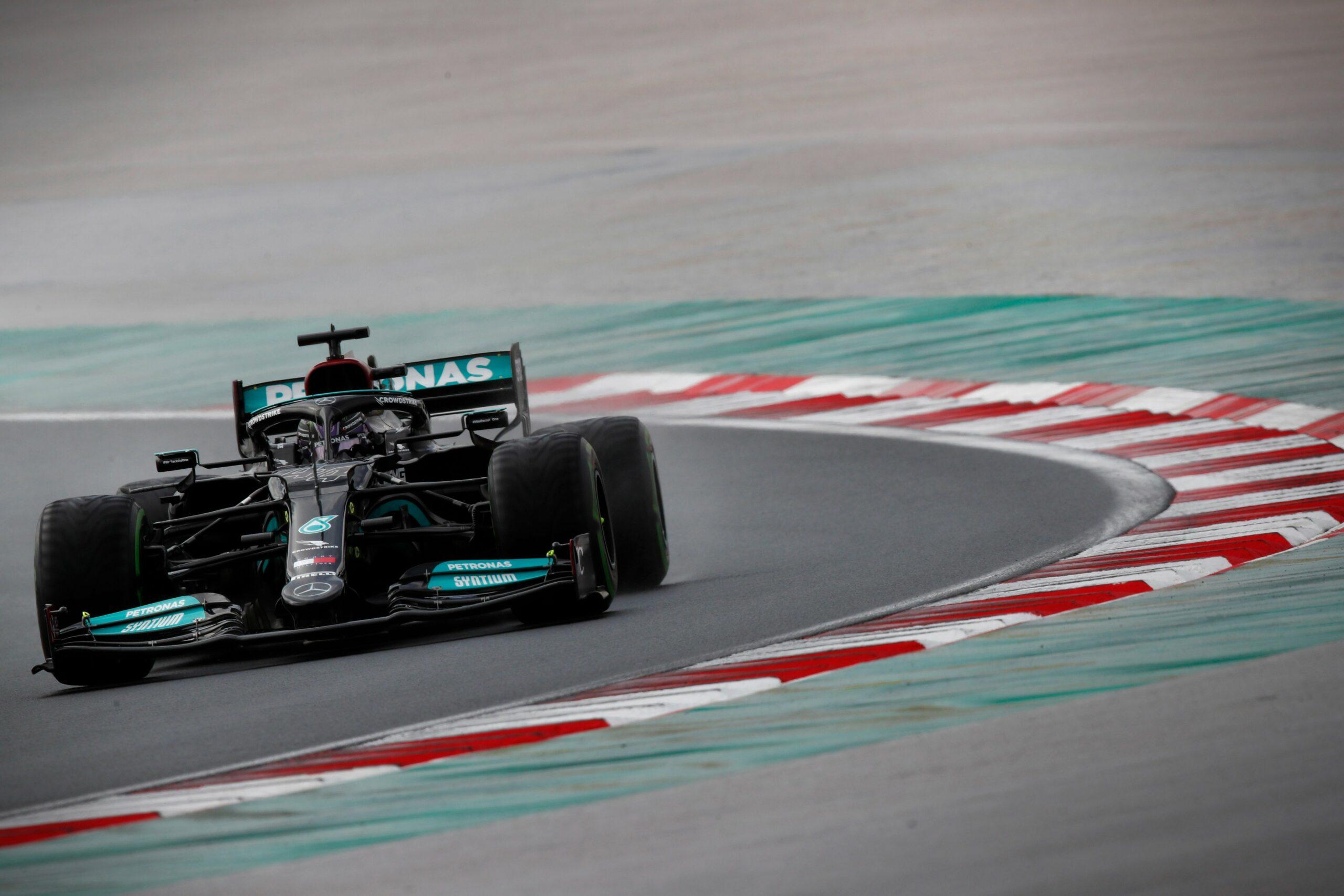 F1 - Hamilton pense qu'il aurait pu rallier l'arrivée sans s'arrêter au stand