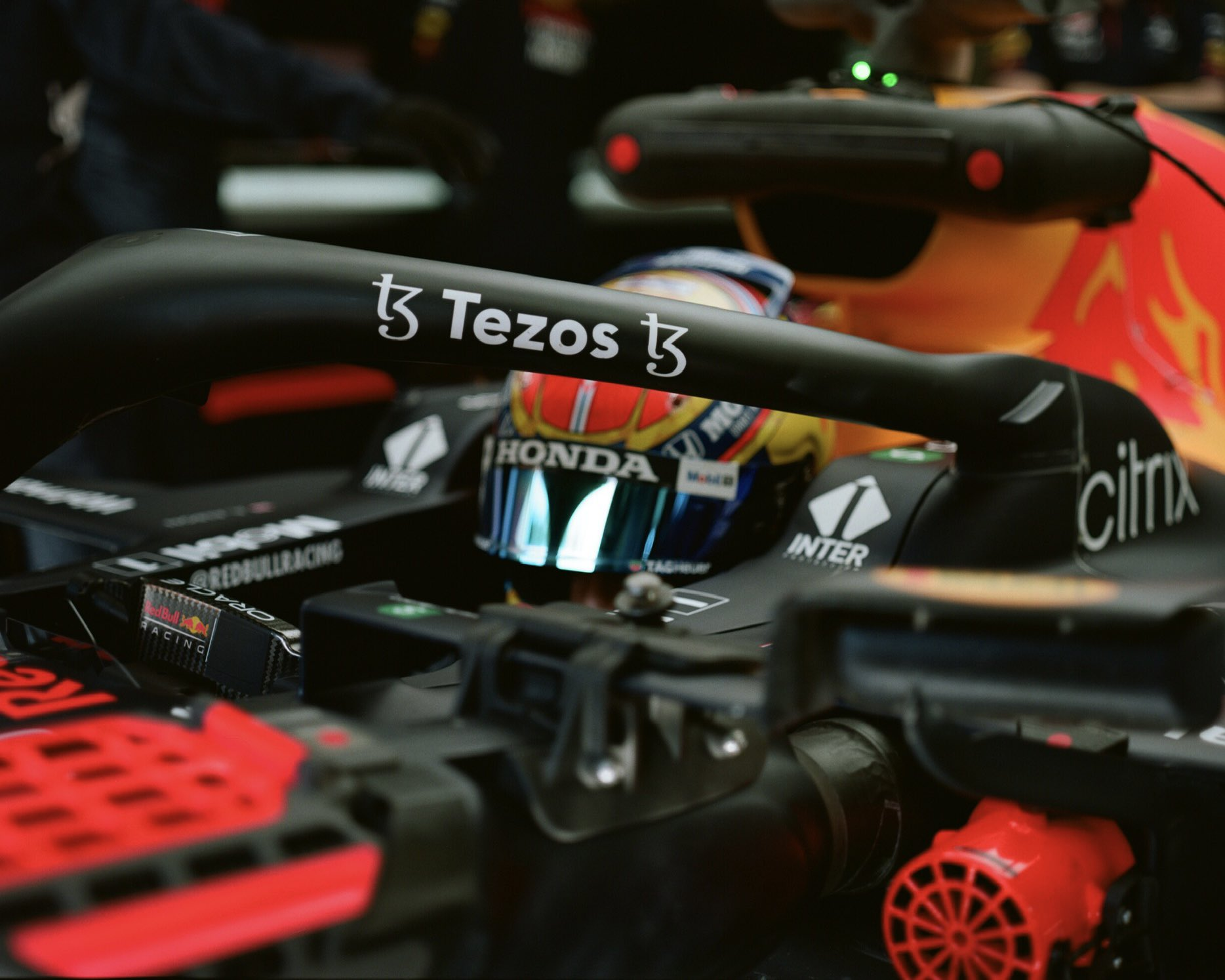 F1 - Alex Albon boucle des essais au volant d'une Red Bull en Turquie
